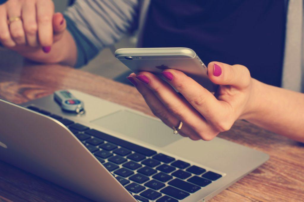 Sie können Ihre Kollegen Ihre Online-Schulung automatisch wiederholen lassen. Bei einer Teilnahme an einer Online-Schulung werden diese automatisch per E-Mail daran erinnert.